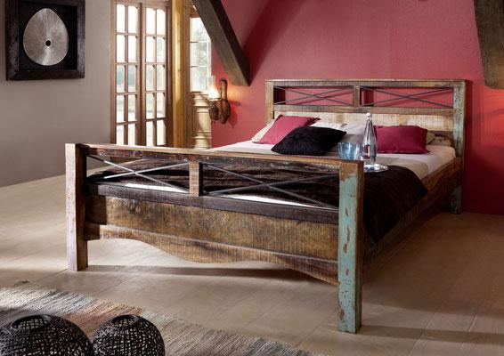 letto +legno +antico +vintage +riciclato +recupero +matrimoniale +singolo +piazza