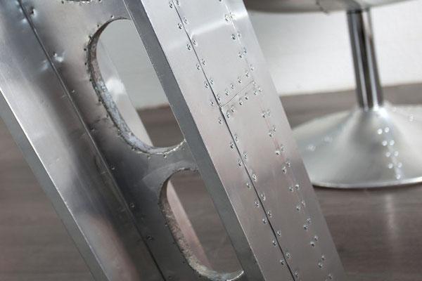 scrivania rivestita fogli alluminio Aviator
