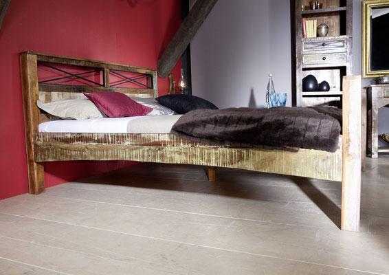 letto +legno +antico +vintage +riciclato +recupero +140 cm