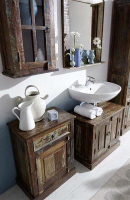 mobiletto +bagno +arredo +legno riciclato +sandro shop +vintage +pensile