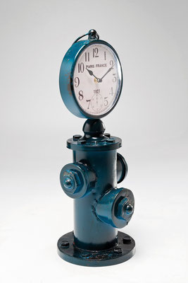 orologia idrante industrial design style