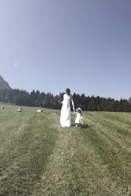 Glückliches Brautpaar, fotografiert von dem leidenschaftlichen Hochzeitsfotograf Nikolaus Neureiter aus Kärnten Steiermark Wien