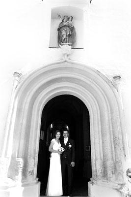 Glückliches Hochzeitspaar, fotografiert von dem leidenschaftlichen Hochzeitsfotograf Nikolaus Neureiter aus Kärnten Steiermark Wien