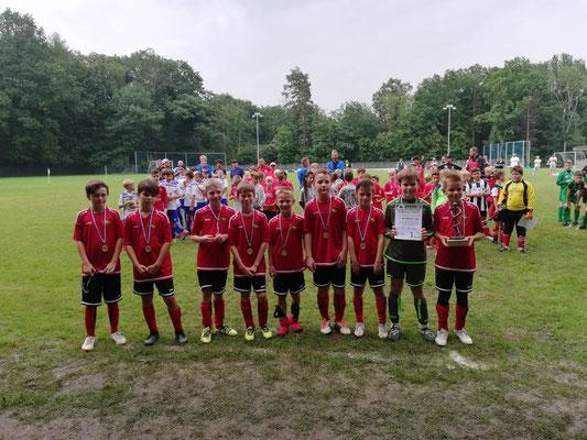 Bei der Pokalendrunde noch gegeneinander und nun miteinander - Turniersieg in Hochweitzschen gemeinsam mit den Jungs vom DSC!