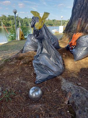 L'objet insolite, une boule de pétanque