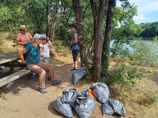 Résultat de la collecte des déchets autour du Lac de la Roucarié