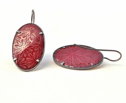 mikromakro     Emaille mit Silber geschwärzt