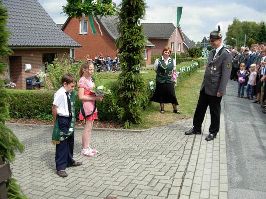Dank des Präsidenten Uwe Brömmer an das Kinderkönigspaar.