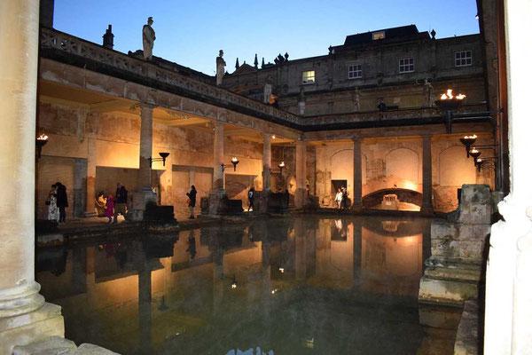 Roman-baths-Bath-Somerset-England