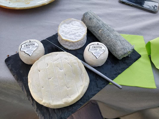 Loire-Valley-goat-cheese-local-food-specialties-delicacies-wine-tastings-Loire-wine-Tours
