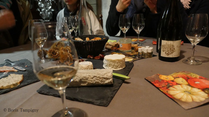 visit-winery-cellar-Loire-Valley-wine-tours-wine-tasting-local-guide-Vouvray-Amboise