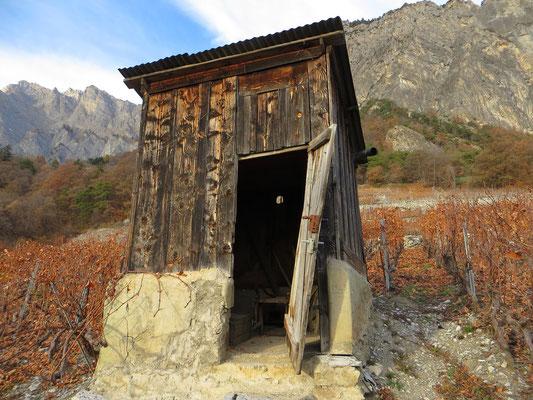 vineyard-hut-Valais-Switzerland-wine-tourism