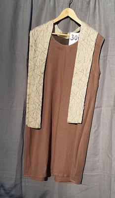 beige-braunes Leinenkleid (nr.30) mit Leinen-Schal (nr .81)