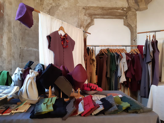 Textildesign Gerda Kohlmayr, Wollwalk -Accessoires -Kappen-Stirnbänder