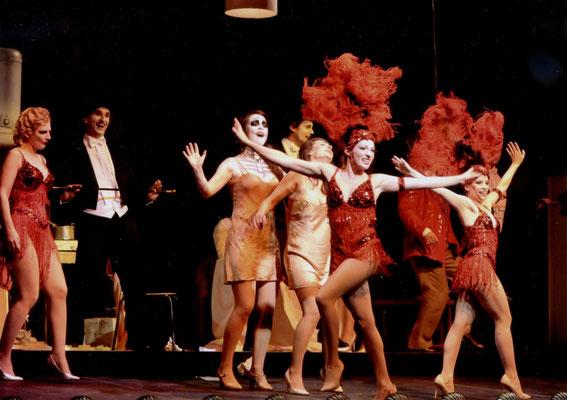 ... als Revue-Tänzer. (© Roger Paulet)