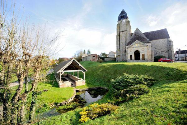 Le beau clocher de notre village, Thorigny sur Oreuse