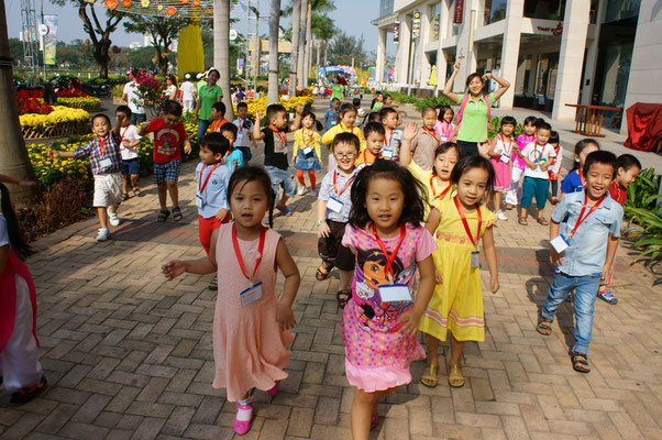 Fröhliche Kinder in Ho-Chi-Minh-Stadt