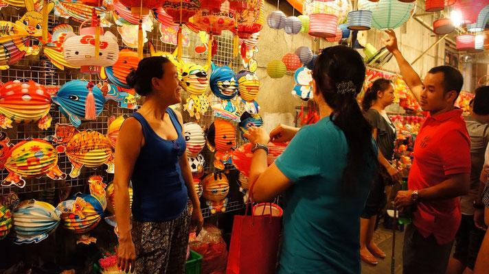 In Ho-Chi-Minh-Stadt kann man viele hübsche Souvenirs einkaufen