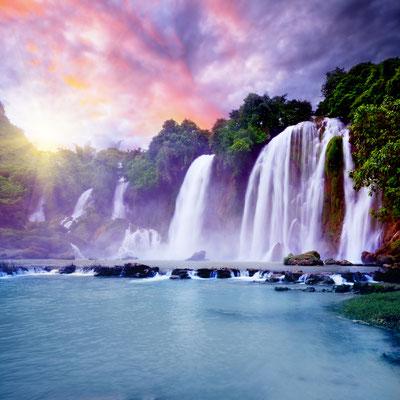 Imposante Wasserfälle gehören ebenso zu Vietnam wie ..