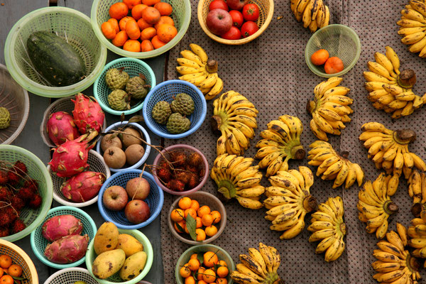 köstliche Tropenfrüchte aller Art.
