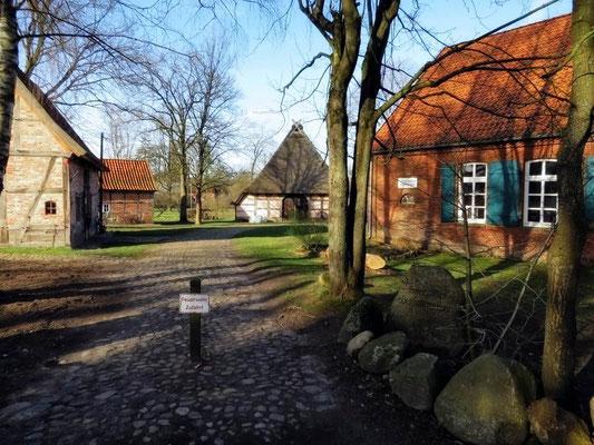 Eingang Museumsdorf