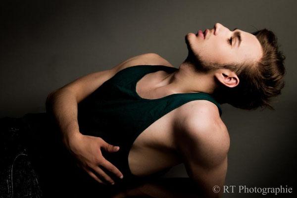 *Model* Steffen Brand -| |- *Foto* Rainer Tiemann