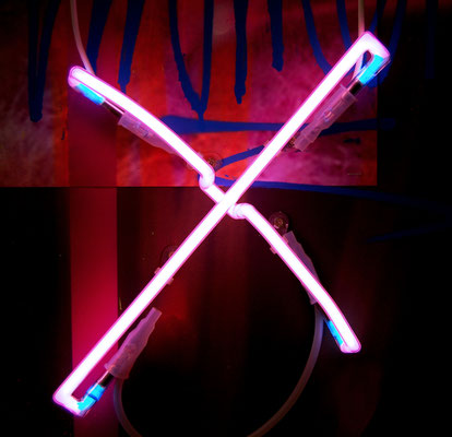 X FACTOR, 2016, neon object, 30x30cm