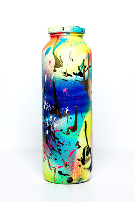 GENIE IN A BOTTLE, 2017, mixed media on glas bottle, 25x7x7cm