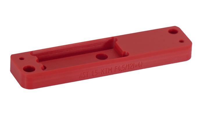 Bauteil für den Maschinenbau mit Gravur. Kleinserienfertigung per CNC-Fräsen aus Hart-PVC