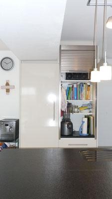 Rolladen verstecken herumstehende Küchenutensilien