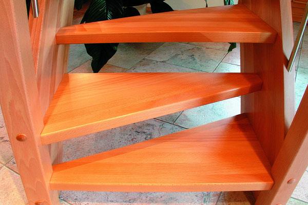 ein besonderer Blickfang - die geometrischen Treppenstufen