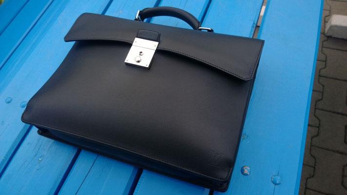 Handtasche nach Neueinfärbung 3