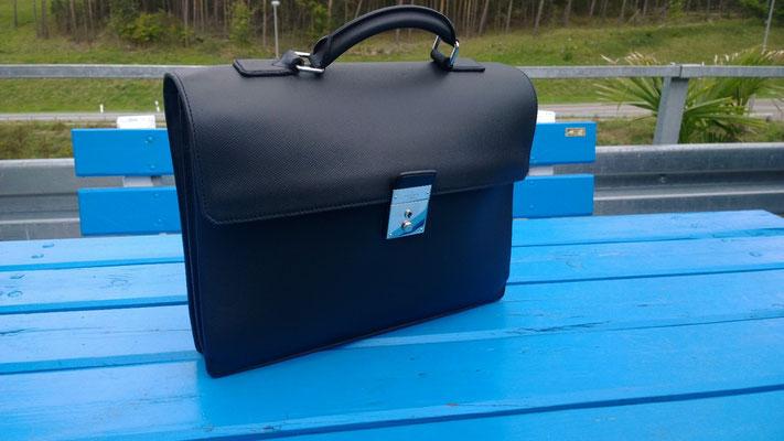 Handtasche nach Neueinfärbung 2