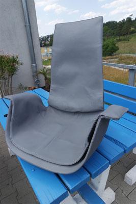 Sitz neu eingefärbt, komplett