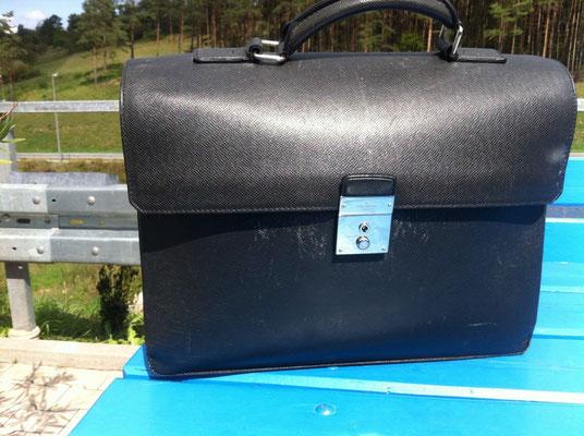 Handtasche vor Neueinfärbung 1