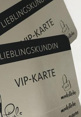 VIP Karte mit Foliendruck Silber mit Logo für Boutique in Ratingen