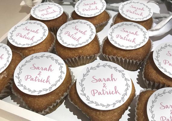 Cupcake Aufkleber Logo Hochzeit