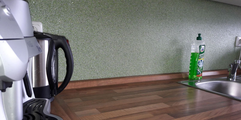 Perlglanzputz Lindgrün und Stahlgrau 50:50