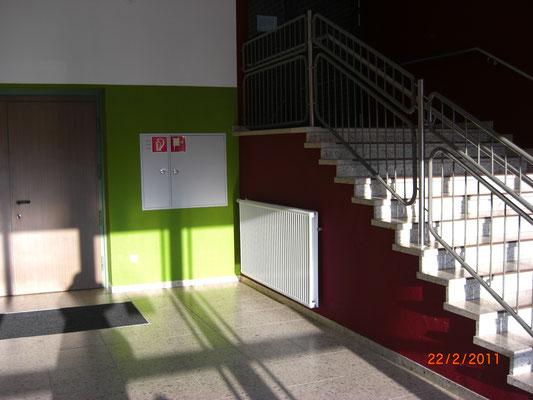 Buntsteinputz in Schule