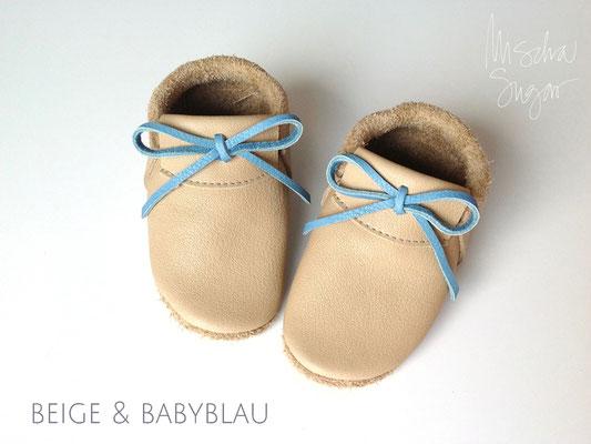 Mokassins in beige, Schleife babyblau