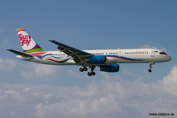 LY-FLG, B757-204, Sunday Airlines