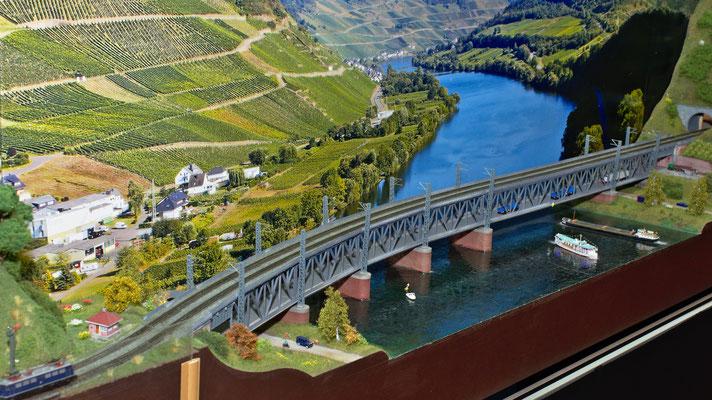 Doppelstockbrücke Bullay von Rainer Tielke