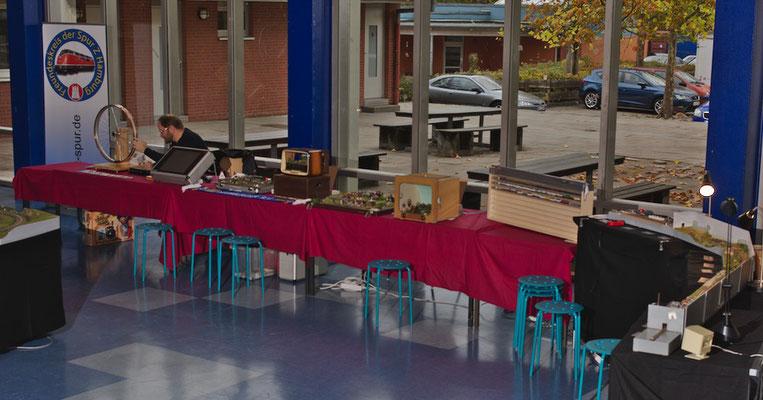 Hamsterrad mit den Ausstellungsstücken vom Erdbeermann Horst