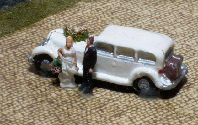 Brautpar mit Limo
