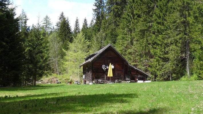 vorbei an der Holzknechthütte