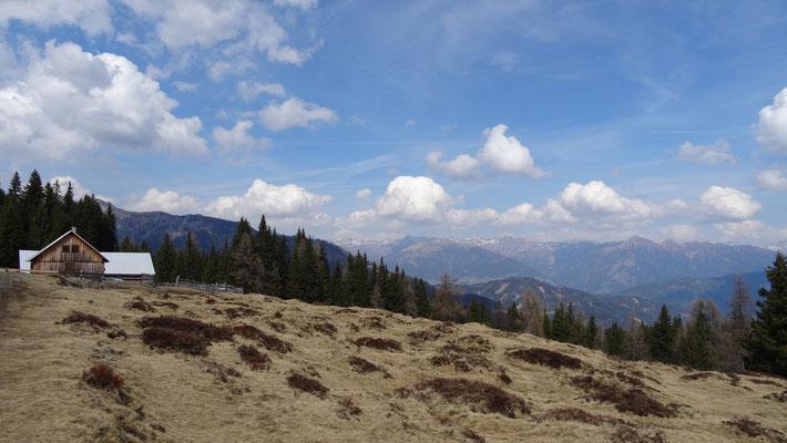 die Hochenwarter Hütte  1655 m