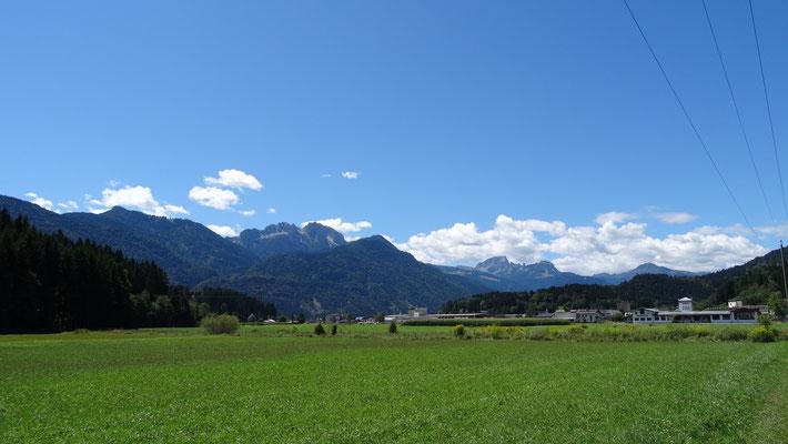 Blick zu den Karnischen Alpen (Nassfeld)
