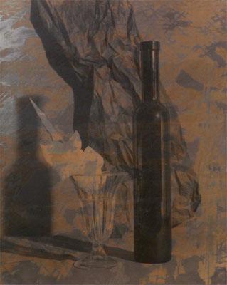 Stilleben mit weißer Gladiolenblüte Handabzug auf Silber-Gelatine-Barytkarton vom Originalnegativ – labortechnisch verfremdet; unikate Variante (Finegrafie) 50x40 cm, montiert auf 70x50 cm Museums-Karton 495,- EUR
