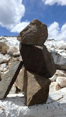 鉱物学で名のある地域だけあって、石が面白い。いくつか自分へのお土産に持って帰ってきた
