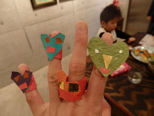 一人が指輪を作ってくれたら、他の子も指輪を作ってプレゼントしてくれた
